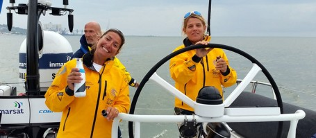 "Dee Caffari (left) is the skipper of ""Turn the Tide on Plastic. Boat captain Liz Wardley (right) looks after the scientific devices during the races. Photo: Sören Gutekunst, GEOMAR"