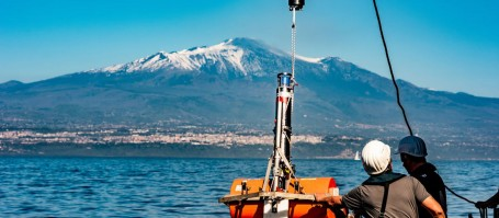 In spring 2016, a team from GEOMAR and Kiel University on board the research vessel POSEIDON installed the GeoSEA transponders on the eastern flank of Mount Etna. Photo: Felix Gross, Kiel University (CC BY 4.0)